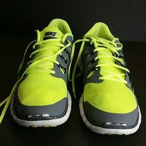 NIKE Shoes - NIKE FREE RUN 5.0 MEN'S SHOES